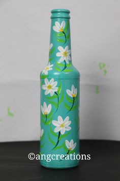 Glass Painting Patterns, Glass Painting Designs, Pottery Painting Designs, Glass Bottle Crafts, Plastic Bottle Crafts, Diy Bottle, Painted Glass Bottles, Bottle Painting, Sanya