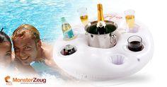 Der Aufblasbare Getränkehalter ist ein tolles Gadget für heiße Sommertage, mit dem man seine Getränke schwimmend im Pool oder im See genießen kann.