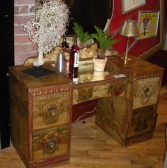 Decoupage vanity....Dishfunctional Designs: You're So Vain! Vintage Vanities & Dressing Tables