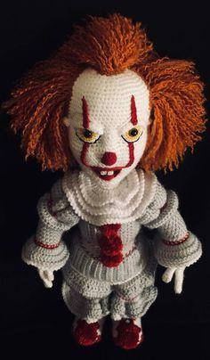 What Exactly is Amigurumi Crochet Crochet Motifs, Crochet Doll Pattern, Thread Crochet, Crochet Dolls, Crochet Hats, Es Der Clown, Le Clown, Crochet Simple, Cute Crochet