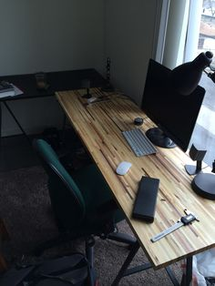 Scrap To Swank: Turn Pallets Into A Beautiful Desk