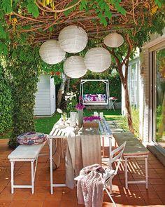 Patios y terrazas on pinterest balconies small - Decoracion de patios y terrazas ...