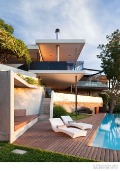 Home Trends: wooden terrace floor swimming pool in cool modern river house design in Australia - Picture on Home Design and Home Interior