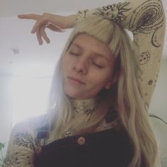 """1,503 curtidas, 146 comentários - AURORA (@auroramusic) no Instagram: """"The light.... the light behind me...? Is that you guys? ☀️ ah, and the top is @ganni """""""