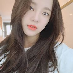 I love you 3000 ❤❤ . Kim Sejeong, Jellyfish Entertainment, Gugu, Korean Actresses, Face Claims, Selca, My Mom, Kpop Girls, Baekhyun