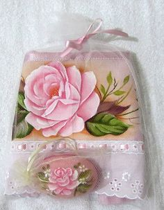 Cocina Pink Towels, Soap Shop, Love Drawings, Paint Designs, Fabric Painting, Pretty In Pink, Diy And Crafts, Shabby Chic, Crafty
