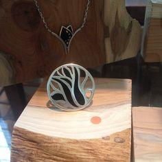 Karen Klein edelsmid / ring Anemone, zilver, zwart koud-emaille