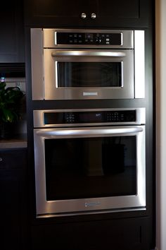 """(Res 3) KITCHEN AID PROFESSIONAL SLIDE IN RANGE/OVEN- Showcased here is an upgraded Kitchen Aid Professional 36"""" slide in range/oven with an upgraded vent hood in a stainless finish for culinary cooks, or those who want a second oven. #new #homes #irvine"""