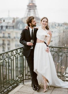 Inspiration for the Most Romantic Elopement in Paris - Wedding Gowns Elope Wedding, Wedding Bride, Dream Wedding, Wedding Dresses, Elopement Wedding, Ivory Wedding, Paris Elopement, Elopement Dress, Rooftop Paris