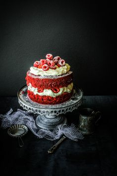 Say Hello to Red Velvet! The first of my Valentine's dessert and cake day series😍 Pretty Cakes, Beautiful Cakes, Amazing Cakes, Cupcakes, Cupcake Cakes, Just Cakes, Cakes And More, Red Velvet Cake, Valentine Cake