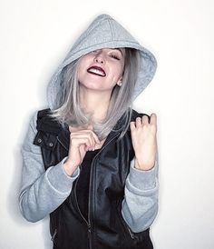 Kika Cute Youtube Couples, Girl Fashion, Womens Fashion, Pretty Girls, Leather Jacket, Actors, Queen, Celebrities, Coat