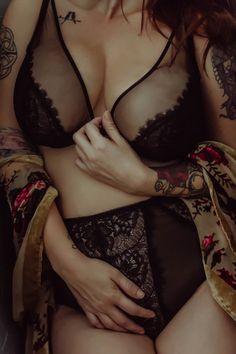 moody boudoir. plus size boudoir inspiration. black lingerie. boho boudoir. true self photography