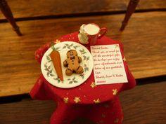 DOLLSHOUSE MINIATURE CHRISTMAS BOOKEND - SANTA'S TABLE