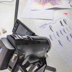 Noëlie | Calligraphique (@calligraphique) • Photos et vidéos Instagram Computer Mouse, Lettering, Electronics, Photos, Instagram, Pc Mouse, Pictures, Drawing Letters, Mice