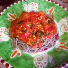 Foodolina: Buckwheat noodles with the best fresh tomato sauce...