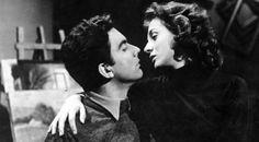 Το λαμπερό ζευγάρι που φαινόταν ιδανικό στη ζωή και στην σκηνή έζησε στη δεκαετία του '50 έναν θυελλώδη έρωτα. Μια σχέση που τα είχε όλα και που κατέληξε σε επεισοδιακό χωρισμό. Πως γεννήθηκε η σχέση τους και πως έφτασαν μέχρι τον χωρισμό