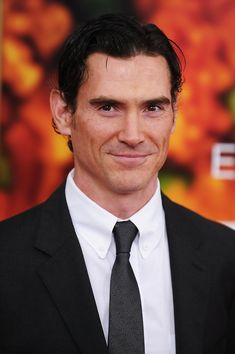 """Billy Crudup Photos - Actor Billy Crudup attends the premiere of """"Eat Pray Love"""" at the Ziegfeld Theatre on August 10 2010 in New York City. - Billy Crudup Photos - 806 of 981 Billy Crudup, Galo, Handsome Actors, Jason Momoa, Celebs, Celebrities, Female Images, Good Looking Men, Pretty Face"""