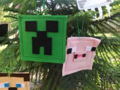 Minecraft is so fun! We thought it would be fun to start making Minecraft pillows! Here's our friend the Creeper! Minecraft Tree, Minecraft Gifts, Minecraft Christmas, Minecraft Stuff, Geek Crafts, Crafts To Do, Crafts For Kids, Cool Christmas Trees, Kids Christmas