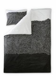Kuru bed set satine from Finlayson by Hannu Väisänen Modern Scandinavian Interior, Nordic Interior, Interior Styling, Home Bedroom, Bedroom Decor, Bedroom Interiors, Bedclothes, Mid Century Modern Furniture, Apartment Design