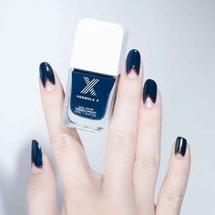 Art You Can Actually Wear To Work Navy nails with triangle detailNavy nails with triangle detail Korean Nail Art, Korean Nails, Asian Nail Art, Navy Nails, Black Nails, Chevron Nails, Blue Nail, Blue Chevron, Minimalist Nails