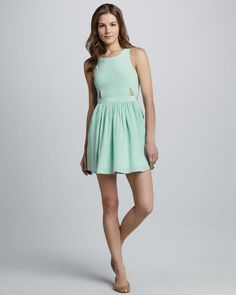 http://ncrni.com/boundary-casey-cutout-sleeveless-dress-p-503.html