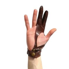 How Herb Back Garden Kits Can Get Your New Passion Started Off Instantly Leather Archer Glove. Guante Arquera By Svartalader On Etsy Archery Gloves, Archery Bows, Leather Armor, Leather Gloves, Mens Gloves, Diy Accessoires, Traditional Archery, Bow Arrows, Leather Projects