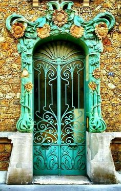 Photos Blend of Architecture with Art Nouveau. At this time it was a revolutionary movement where there was a strict barrier between pure art and art. Art Nouveau focuses more on the concept of und… Cool Doors, Unique Doors, The Doors, Entrance Doors, Doorway, Windows And Doors, Office Entrance, Driveway Entrance, Front Doors