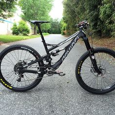 First look at the @cyclesdevinci Spartan #enduro #mountainbike in person here at our home office