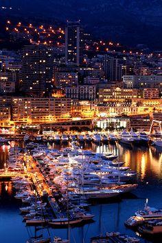 Le port à la tombée de la nuit, Monaco