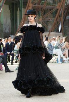 Looks des Herbst-Winter 2017/18 Haute Couture Défilés auf der offiziellen Chanel website