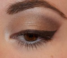 Love this look using BFTE coffee shop collection. Eyeliner Make-up, Brown Eyeshadow Looks, Eyeliner Styles, Eyeliner Looks, How To Apply Eyeliner, Smokey Eyeshadow, Eye Makeup, Hair Makeup, Beauty Makeup
