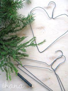 Pre Christmas, Diy Christmas Tree, Christmas Decorations, Xmas, Christmas Greenery, Winter Holidays, Diy Gifts, Merry, Wreaths