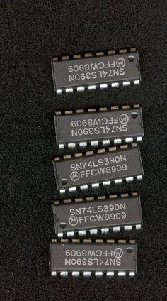 INTEGRATED CIRCUIT IC IC'S SN74LS390N electronics