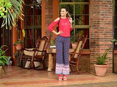 #FashionBySIMAN & Rebeca Bonilla: Utiliza colores fuertes con elementos en tendencia y con estampados de tu preferencia. Agrégale accesorios para darle un toque personalizado a tu outfit y obtener el look perfecto para una reunión de amigas entre semana.