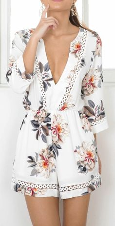 LOVE AND DREAM PLAYSUIT IN BEIGE FLORAL