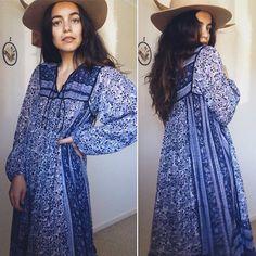 Vintage 70s // INDIAN COTTON BOHEMIAN Dress // Tissue Thin Gauze Smock Dress // Gypsy Paisley Blockprint Midi // Metallic Thread // Size S Gypsy Dresses, Indian Dresses, Nice Dresses, Vintage Hippie, Vintage 70s, Summer Goddess, Boho Fashion, Fashion Outfits, Quoi Porter