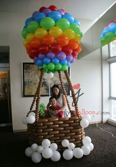 Amazing Baby Shower Decorations on a Budget Hot Air Balloons Baby Shower Ideas for Girls Balloon Arrangements, Balloon Centerpieces, Balloon Columns, Balloon Arch, Balloon Ideas, Birthday Decorations, Baby Shower Decorations, Diy Hot Air Balloons, Balloons Galore