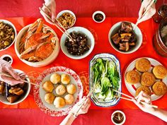 How to Host a Chinese Mid-Autumn Festival Feast