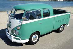 Un modèle très élaboré, parfait pour emmener encore plus de monde #Volkswagen #Bus  #Beach #Travel #Adventure