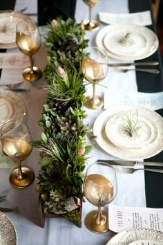 10 Christmas Table Settings