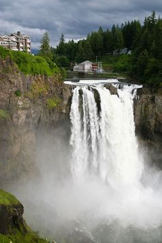 Been there, did Salish Lodge Restaurant. 30 min east of SEATTLE - Make a day trip to Snoqualmie Falls. Take a picnic for eats on the cheap or dine at the Salish Lodge restaurant for a splurge . Oh The Places You'll Go, Places To Travel, Places To Visit, Camping Places, Seattle Vacation, Vacation Spots, Yasmine Galenorn, Seattle Washington, Washington State