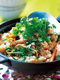【ELLE a table】鶏とレモングラスの土鍋ごはんレシピ|エル・オンライン