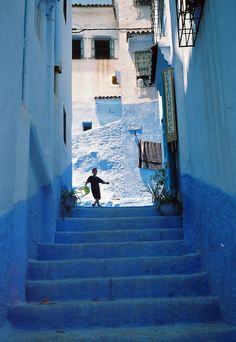 Blue painted walls of Chefchaouen, Morocco Time Travel, Places To Travel, Places To See, Travel Destinations, Chefchaouen, Blue Painted Walls, Mekka, Blue City, Travel Channel