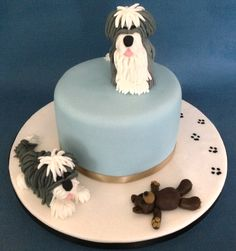 Old English Sheep dogs - by Loobyloo @ CakesDecor.com - cake decorating website