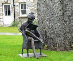 Solis Castle Woman Reading ~ wonderful sculpture