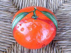 mandarin orange - painted rock by WerockforKasity Painted Pavers, Painted Rocks Craft, Hand Painted Rocks, Painted Stones, Pebble Painting, Pebble Art, Stone Painting, Stone Crafts, Rock Crafts