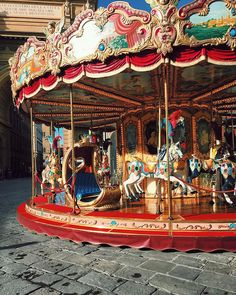 Fancy a ride on the carousel in Piazza Repubblica? - Fancy a ride on the carousel in Piazza Repubblica? :] Would you like a carousel ride in Piazza dell - Firenze Italy, Venice Italy, Sea Isle City, Photo D Art, Germany Europe, Merry Go Round, Lake Como, Toscana, Roller Coaster