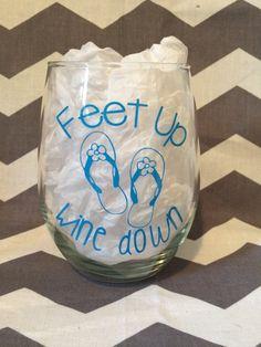 Beach Wine Glass, Feet up, Wine down – Flip Flop Sandal Wine Glass, Summer Wine Glass, Preppy Wine Glass – SummerBlue Wine Glass Sayings, Wine Glass Crafts, Wine Craft, Wine Bottle Crafts, Wine Bottles, Glass Bottle, Beer Crafts, Wine Quotes, Bottle Art