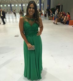 Vestido Longo Verde com Renda Aplicada - Long Green Dress Siga no instagram @atelierceliavieira
