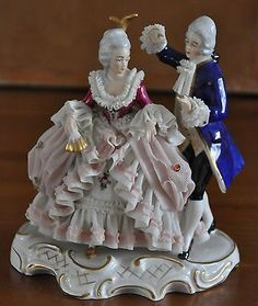 Lovely-Dresden-Porcelain-Lace-Dancing-Figurine-Germany